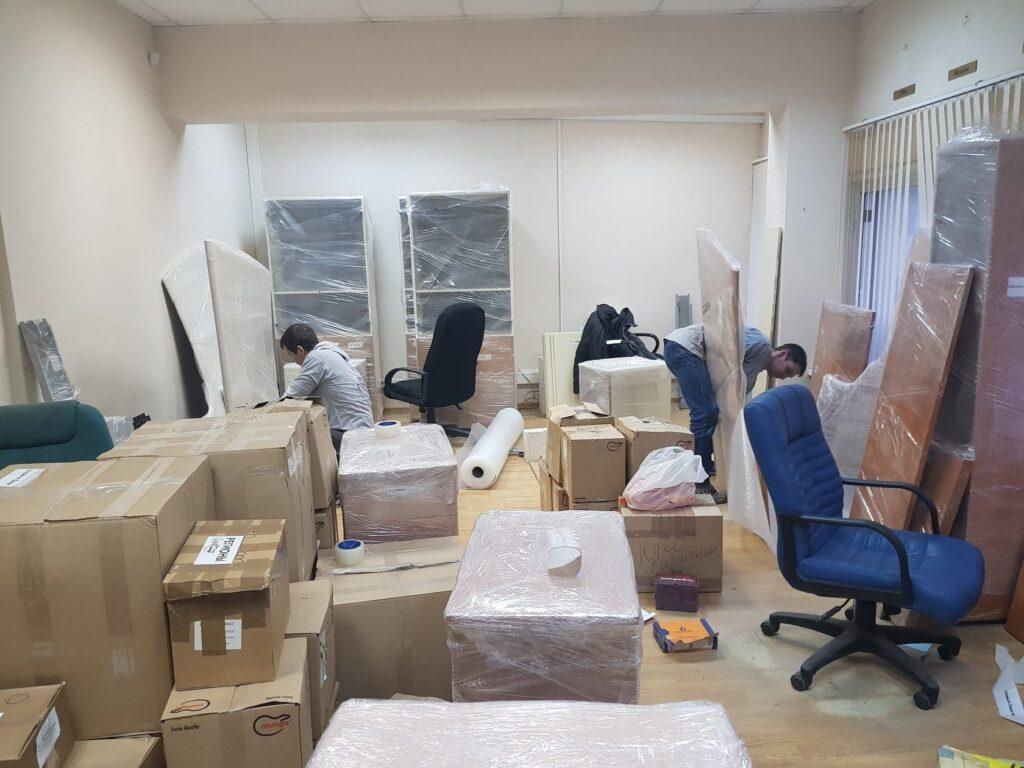 Офисный переезд с грузчиками с помощью нашей компании