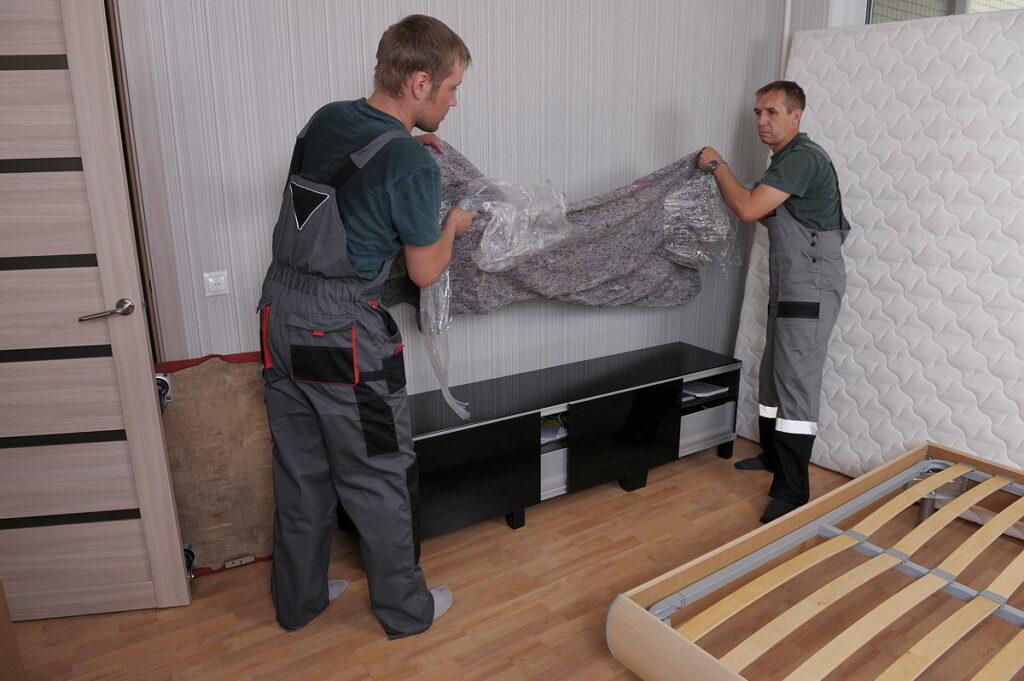 Разборка мебели в квартире