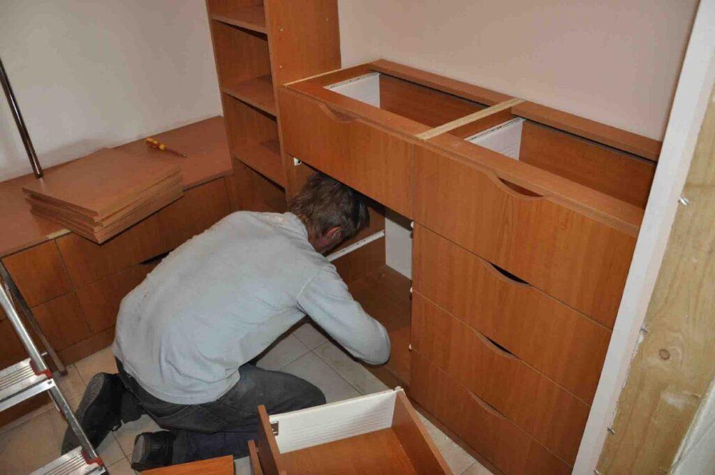 Перевозка мебели со сборкой и разборкой