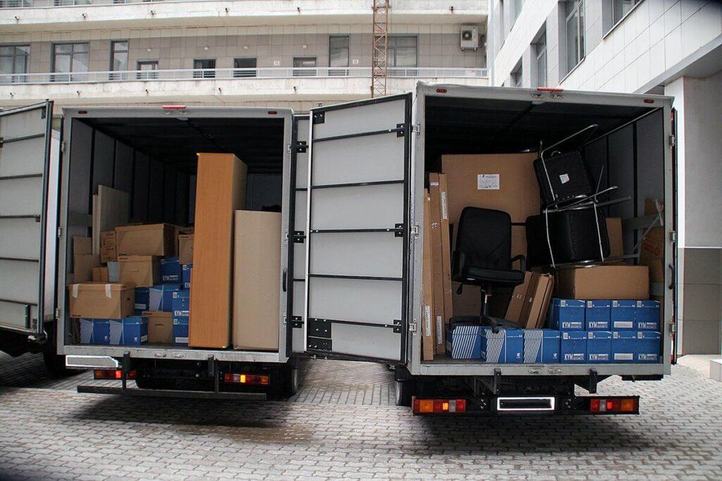 Организация перевозки мебели с грузчиками