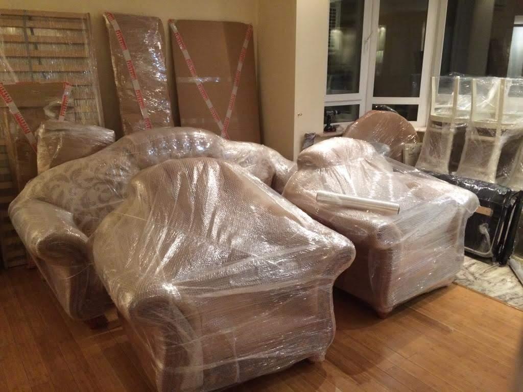 Упаковка мебели и перевозка при переезде